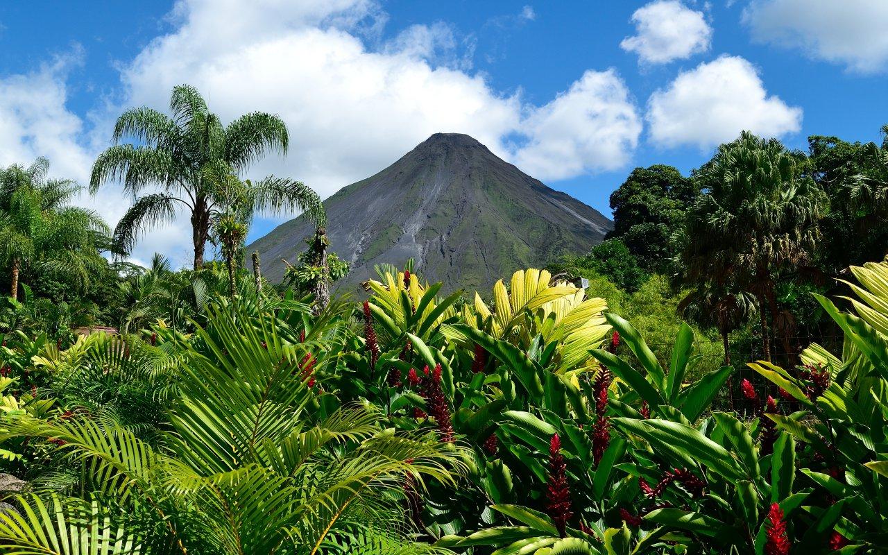 Travel Guide Costa Rica Volcanos